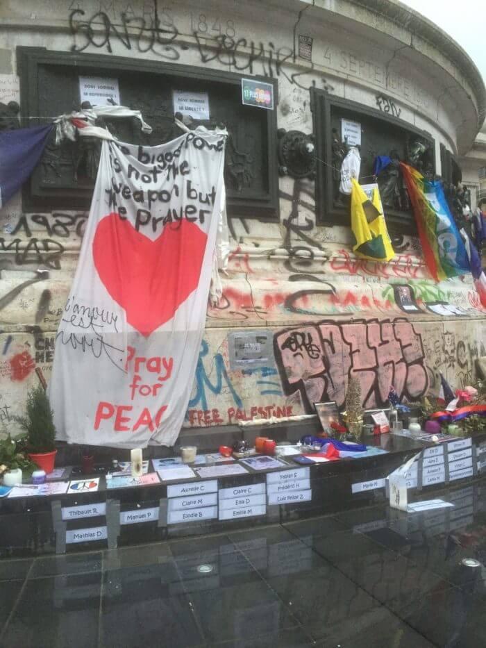 paris attacks solidarity terrorism isis islamic state terror peace love understanding flags islam memorial france