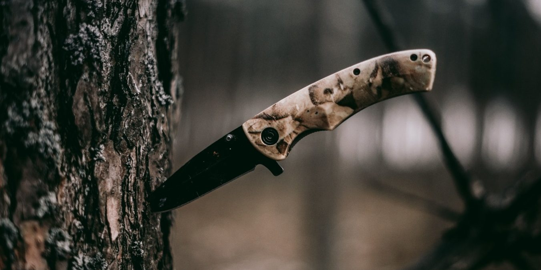 Knife stuck in a tree - Goodall