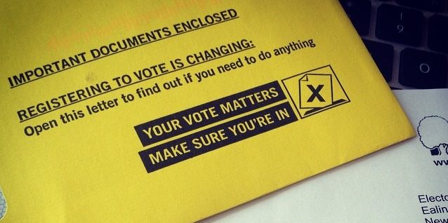 Lecturers encourage students to register to vote