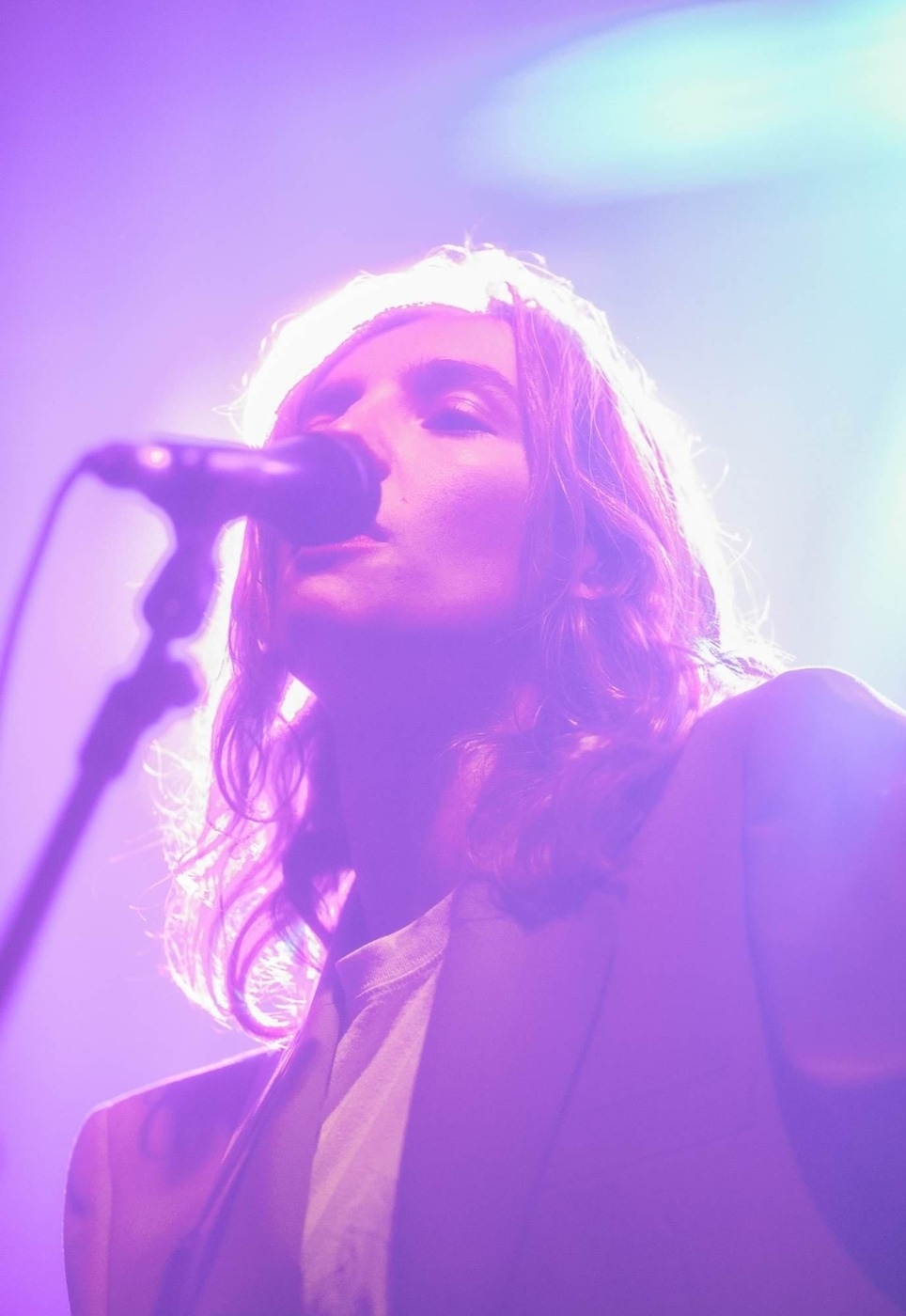 the Japanese house live in purple light