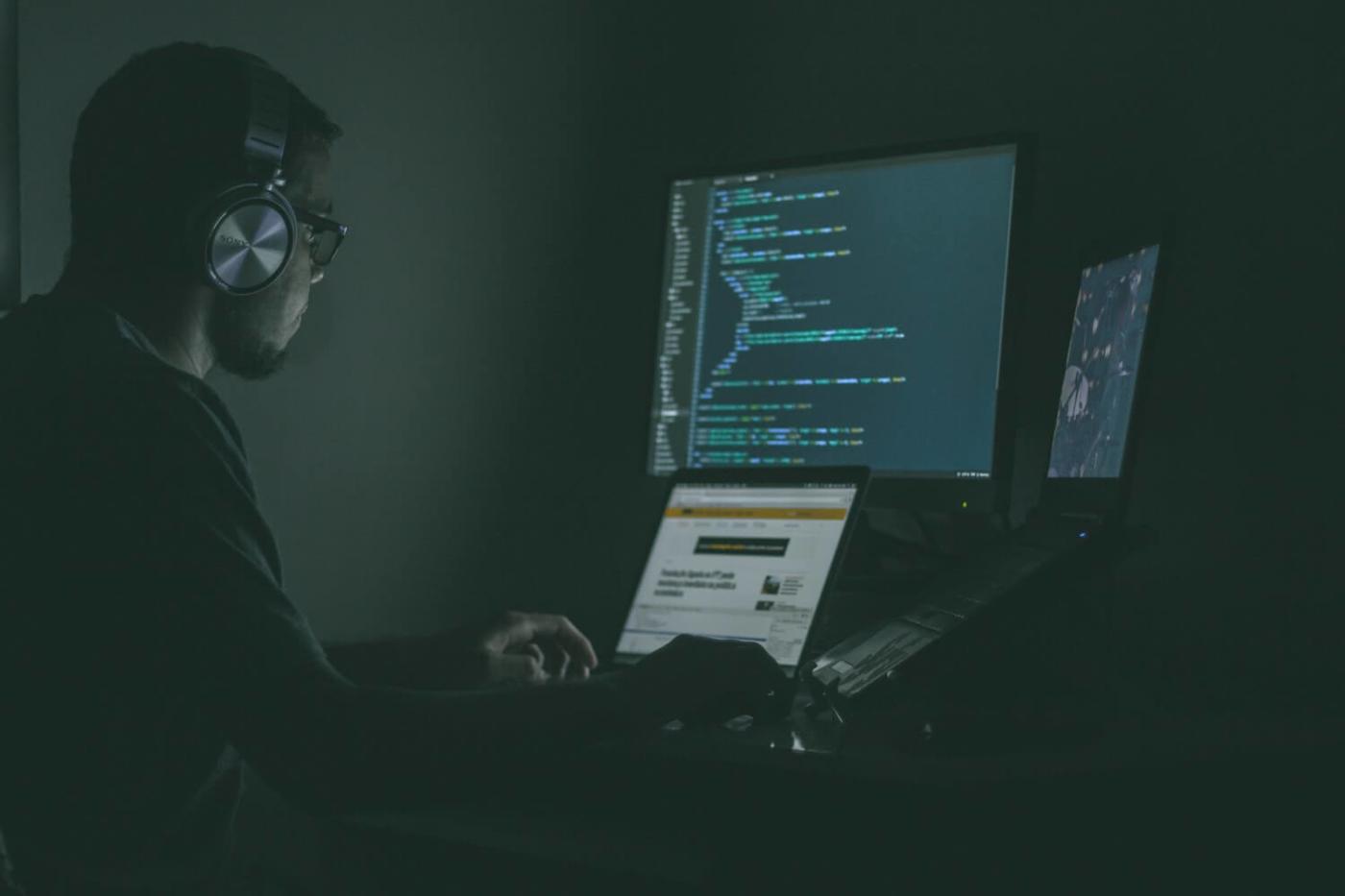 Image: Man at Desk/Unsplash