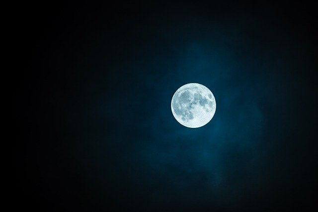 Is Oxygen rusting the moon?