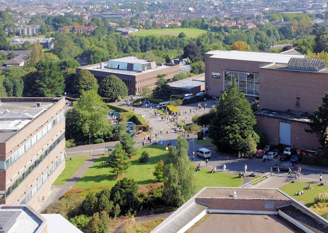 Exeter offers medical students £10,000 to defer